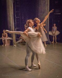 "Day 2 of Vaganova Academy's ""Nutcracker"" rehearsals on the Mariinsky stage. Part Photos by Alexander Ku. Ballet Feet, Ballet Dancers, Vaganova Ballet Academy, Dance All Day, George Balanchine, Pretty Ballerinas, Little Ballerina, Ballet Class, Dance Photos"