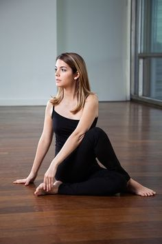 Yoga For Weight Loss - Vakrasana
