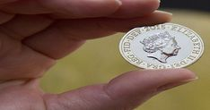 The 37 most valuable coins in circulation - have you got any in your pocket? Rare British Coins, Coin Collecting, Things To Know, Good News, Empty, Ss, Numbers, Gadgets, Mint