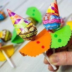 Premio, regalo, refuerzo, cumpleaños o sorpresa para niños Birthday Return Gifts, Baby Birthday, Birthday Gifts, Birthday Parties, Preschool Crafts, Diy And Crafts, Crafts For Kids, Paper Crafts, Clown Party