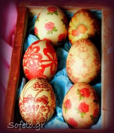 Easter eggs with decoupage technique, with … – Easter Honey Bunny, Easter Cookies, Meals For One, Easter Crafts, Easter Ideas, Decoupage, Happy Easter, Easter Eggs, Diy And Crafts