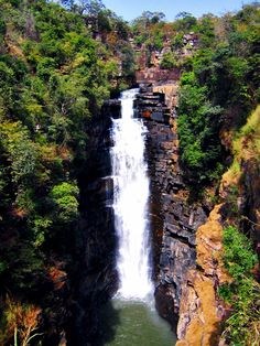 Places To See: Kinkon Falls   Guinea Conakry