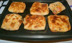 Fleur d'oranger, Masala & Co.: Moroccan baked Rghaifs with seasoned Kofta (ground beef) Moroccan Bread, Empanadas, Ramadan Recipes, Griddle Pan, Ground Beef, Pancakes, Meals, Baking, Breakfast