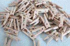 These mini pegs are great for craft, handmade craft for scrapbooking. This set comprises of mini pegs cm x cm ( x ). You can paint these great looking pegs in almost any colour or can be used as such in natural colour. Nature Crafts, Fun Crafts, Crafts For Kids, Diy Whiteboard, Kids Clothesline, Lolly Bags, Cheap Kids Clothes, Kids Clothing, Baby Shower Crafts