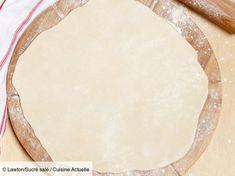 Discover the gluten-free pizza dough recipe on cuisineactuelle. Discover the gluten-free pizza dough recipe on cuisineactuelle. Lactose Free, Vegan Gluten Free, Gluten Free Recipes, Pizza Recipes, Soup Recipes, Pizza Pastry, Pizza Dough, Pizza Pizza, Sin Gluten