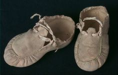Shoes, baby's, natural blond leather, 1836