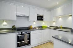 Dress to Let - Porchester Square   Kitchen