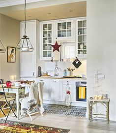 Кухня в цветах: серый, светло-серый, белый, бежевый. Кухня в стилях: скандинавский стиль, средиземноморский стиль, эклектика.