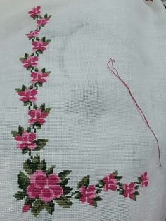 This Pin was discovered by neş Cross Stitch Heart, Cross Stitch Borders, Cross Stitch Flowers, Cross Stitch Designs, Cross Stitching, Cross Stitch Embroidery, Embroidery Patterns, Hand Embroidery, Cross Stitch Patterns