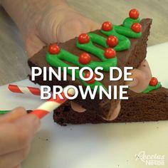 Christmas Snacks, Xmas Food, Christmas Cooking, Holiday Cakes, Holiday Baking, Christmas Desserts, Cake Decorating Videos, Sweet Recipes, Holiday Recipes