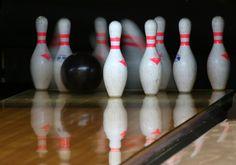 Zahrajte si bowling! Čekají na vás 2 dráhy až pro 20 osob.