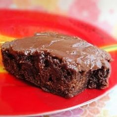 Grandma's Texas Sheet Cake Brownies- these are a MUST at any potluck or BBQ! #potluck #dessert