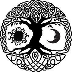 Celtic tree of life with sun and moon tattoo idea. Since I'm a wee bit Irish. Celtic tree of l Sun Tattoos, Celtic Tattoos, Viking Tattoos, Celtic Mandala, Celtic Art, Moon Mandala, Tattoo Life, Tatoo Tree, Tattoo Mond