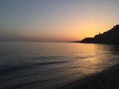 Me encantan los atardeceres desde la playa del Cañuelo! #nerja