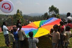Rwanda, Kibeho, ośrodek dla osób niewidomych, zabawy z chustą animacyjną #klanza