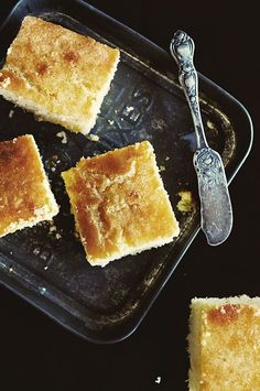 Honey Butter Corn Bread from @dineanddish. Serve with your favorite soup. Simply amazing!