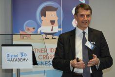 Mauro Ninci, Medical Affairs Director di #Genzyme, durante la sua discussione in Digital for Academy. #D4Amalattierare #D4A #malattierare