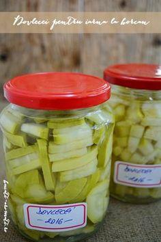 Dovlecei pentru iarnă la borcan - Bucate Aromate Canning Pickles, Romanian Food, Tasty, Yummy Food, Preserving Food, Celery, Preserves, Cucumber, Deserts