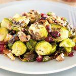 Roasting probably is the best way to cook brussels sprouts, it really develops tons of yumminess. Simply toss roasted sprouts with a bit good olive oil, roasted walnuts, dried cranberries, and drizzle with some balsamic glaze. Brussel Sprouts Cranberries, Balsamic Brussel Sprouts, Roasted Sprouts, Sprouts With Bacon, Dried Cranberries, Roasted Vegetables, Veggies, Brussle Sprouts, Roasted Walnuts