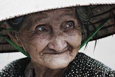 Donna vietnamita
