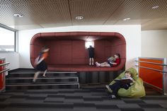 Our Lady of the Southern Cross Primary School / Baldasso Cortese Architects