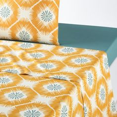 Pogos Printed Cotton Flat Sheet LA REDOUTE INTERIEURS Bright and bold, we love the graphic floral-style print of the colourful Pogos bedding collection.Match this sheet with the rest of the bedding in the. Green Duvet Covers, Human Ecology, Cotton Duvet, Yellow Print, Floral Style, Flat Sheets, Bedding Collections, Printed Cotton, Weaving