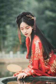 Korean Traditional, Traditional Dresses, China Girl, Chinese Clothing, Chinese Culture, Asian Style, Asian Fashion, Asian Woman, Asian Beauty