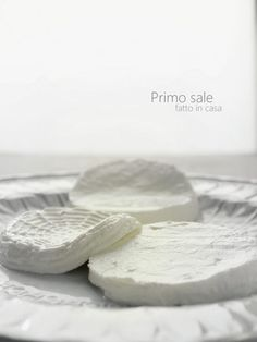 """Home made """"Primo sale"""" cheese Recipe here Cheesy Recipes, Real Food Recipes, Cooking Recipes, Gouda, How To Make Cheese, Food To Make, Feta, Grapes And Cheese, Fresh Eats"""