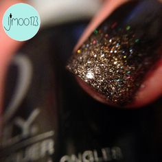 Black and gold glitter gradient by ljmoo123