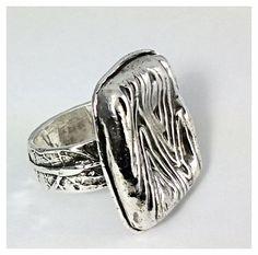 Hand carved fine silver ring. #merrybethmyrickdesigns #gypsy #bohemian #ring #woodgrain #nashvillefashionalliance