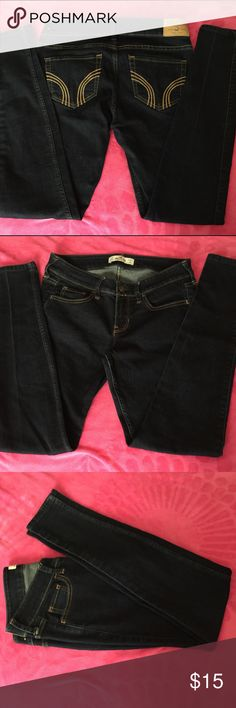 Hollister skinny jeans Worn a few times. They are the skinny style jeans with no tears at all style. They are dark blue. Size is W: 26 L: 29 or as stated on inner tag 3S. 🎉 Bundle up and save 10% off 2 or more items!! 😊 Thank you for looking. Hollister Jeans Skinny