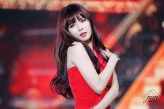 4Minute Hyuna in Red