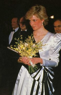 """23 MARCH 1987 PRINCESS DIANA, PRINCE CHARLES AND THE QUEEN MOTHER ATTEND THE PREMIERE OF """"84 CHARING CROSSROAD"""""""