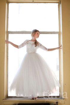 印象ガラリチェンジ♡1着のドレスで2着分の着こなしを楽しめるアイテム【オーバースカート】に大注目♩にて紹介している画像
