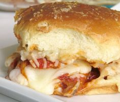 Looking for easy chicken dinners that your family will love? Try these parmesan chicken sliders for a fabulous quick and easy meal tonight.