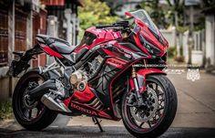 Concept Motorcycles, Kawasaki Motorcycles, Cool Motorcycles, Bike Bmw, Moto Bike, Motorcycle Bike, Yamaha R25, Monster Bike, Soichiro Honda
