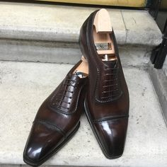 Cadwell Made to Order on the Deco square last with a Criollo patina #ggcadwell #gazianogirling #gazianoandgirling #savilerow #madetoorder #madeinengland #handcrafted #shoeporn #patina