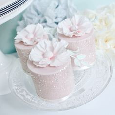 Cute mini cakes by Wish Upon a Cupcake