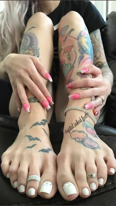 Nice Any one seeking body art fine art in you a , merely do it! Toe Nails White, Cute Toe Nails, Nice Toes, Pretty Toes, Foot Pics, Foot Pictures, Duck Feet Nails, Girl Soles, Beautiful Toes
