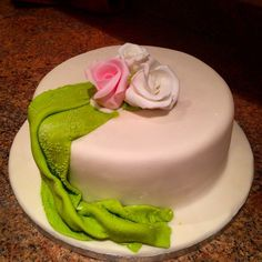 My first cake simple but elegant