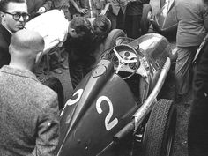 View all images at 1950 folder Maserati, Alfa Romeo 159, Ferrari F1, Vintage Race Car, Love Car, Car And Driver, Courses, Car Pictures, Cars And Motorcycles