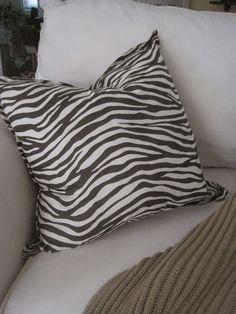 Decorated Chaos: No-Sew Pottery Barn Knockoff Pillow