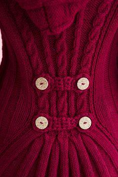 Красный жакет с капюшоном   Шкатулочка для рукодельниц