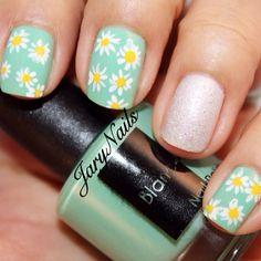 Blanc Morena I AM Abundance. Hand painted daisies. Nails