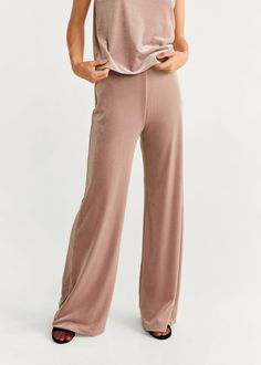 Discover the latest trends in women's trousers. Dressy, skinny, palazzo and baggy trousers, chinos and leggings. Baggy Trousers, Trousers Women, Khaki Pants, Pants For Women, Flare, Palazzo Trousers, United Kingdom, Latest Trends, Jumpsuit