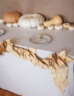 Neutral Table