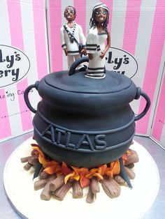 Potjie Pot shaped Wicked Chocolate wedding cake with Bride & Groom in traditional outfits Themed Wedding Cakes, Unique Wedding Cakes, Wedding Cake Designs, Wedding Cake Toppers, Themed Cakes, Cake Wedding, Wedding Pins, Wedding Ideas, African Wedding Cakes