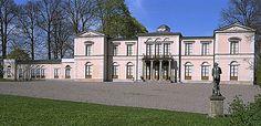 Il palazzo di Rosendal a Stoccolma è stato costruito per volere del Re Karl Johan nella prima metà del 1800. Era utilizzato come residenza estiva o per feste speciali.