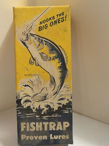 Vintage LARSON BAIT CO. FISH TRAP SOLID METAL FISHING RED & WHITE LURE with BOX