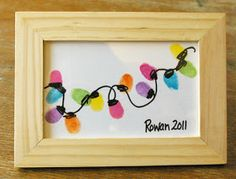 Beneath the Rowan Tree: Christmas Card :: Thumb Print String of Lights. This would look great painted on an Ikea tray. Cheap, functional and easy to do. Girls holiday party maybe?